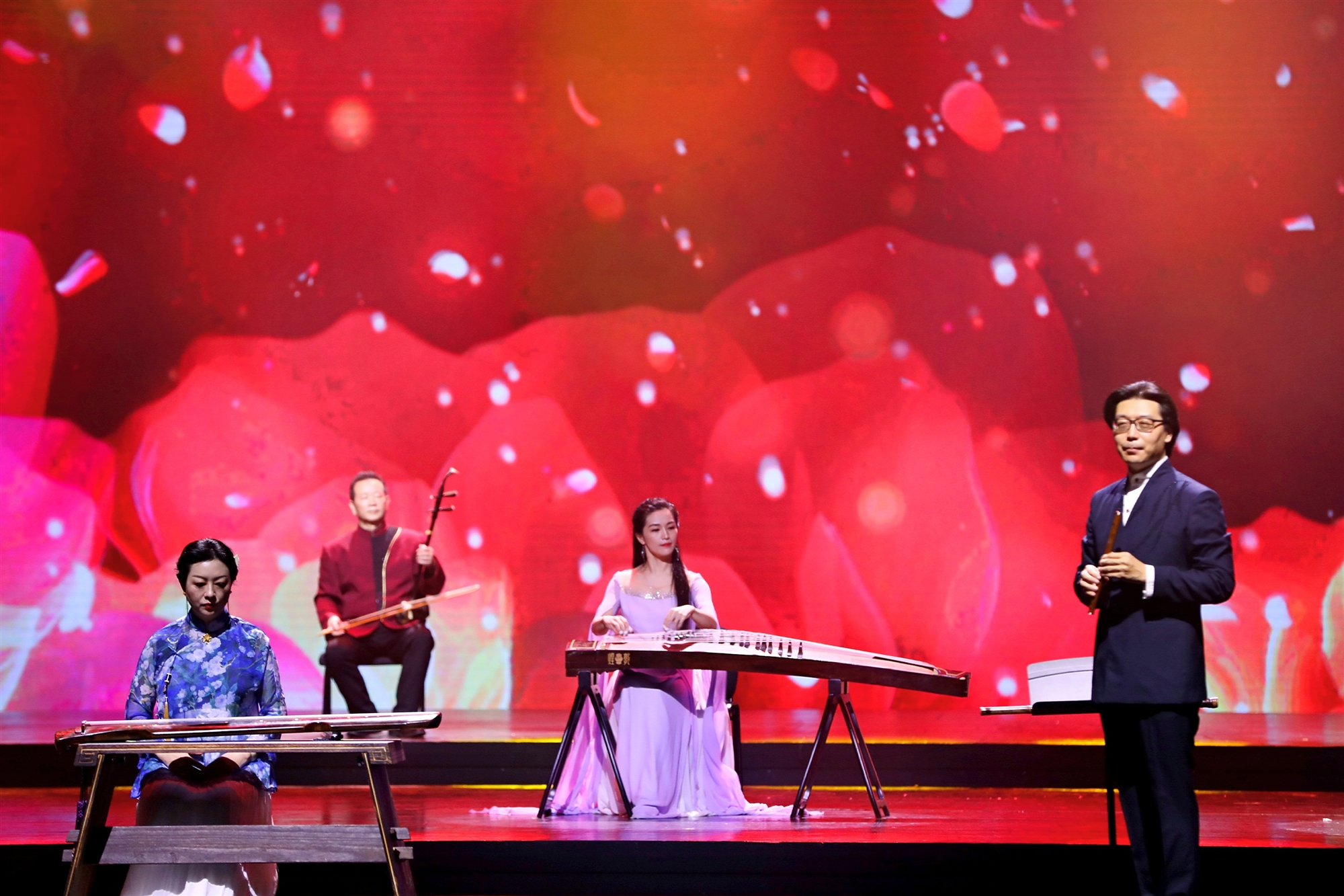 成都老中青三代知名文艺家同台 热烈庆祝中国共产党成立100周年